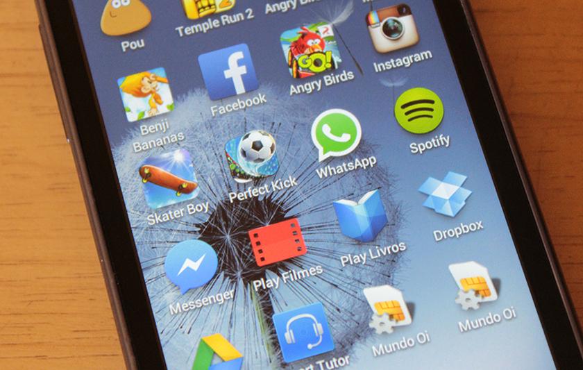 WhatsApp celular