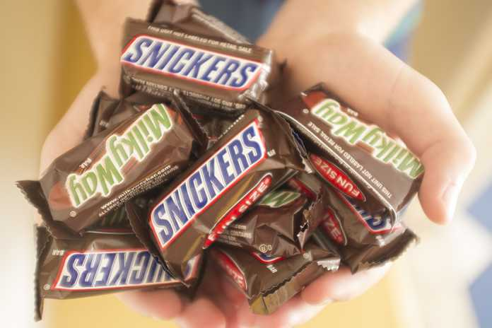 Chocolates Snickers e Milky Way