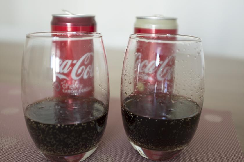 Coca-cola baunilha e cereja copo