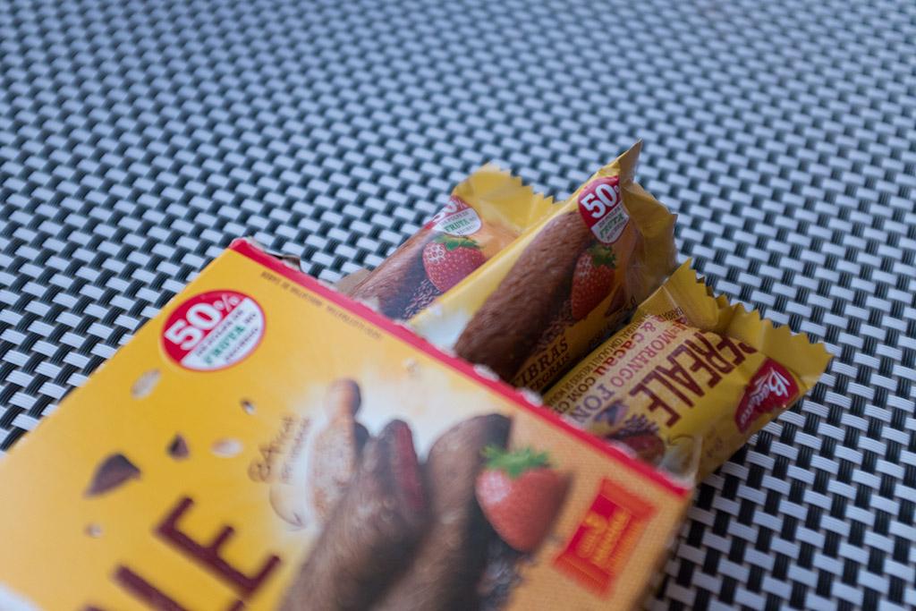 Caixa barrinha de morango Cereale 3 unidades