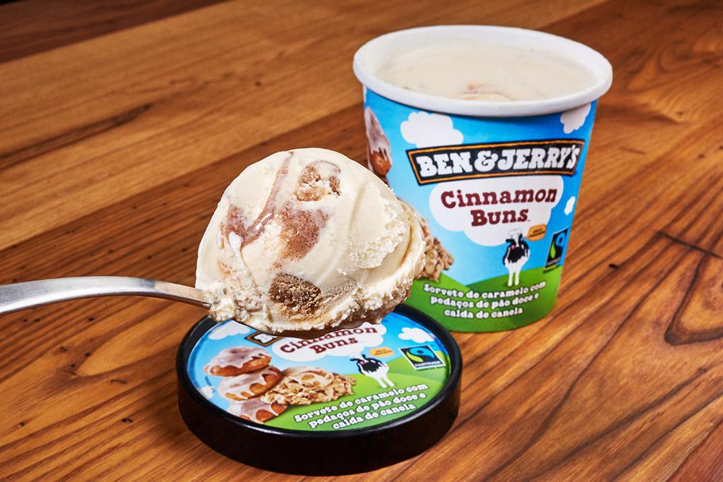 Cinnamon Buns Ben & Jerry's 02