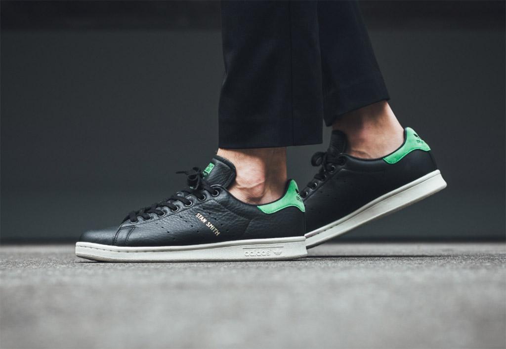 8f8f5c0cf80 Linha Adidas Stan Smith recebe tênis versão preta (Core Black) com verde  (Green Unite)
