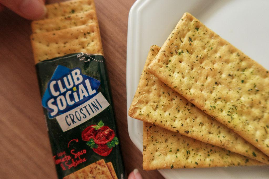 Club Social Crostini Tomate Seco & Salsinha