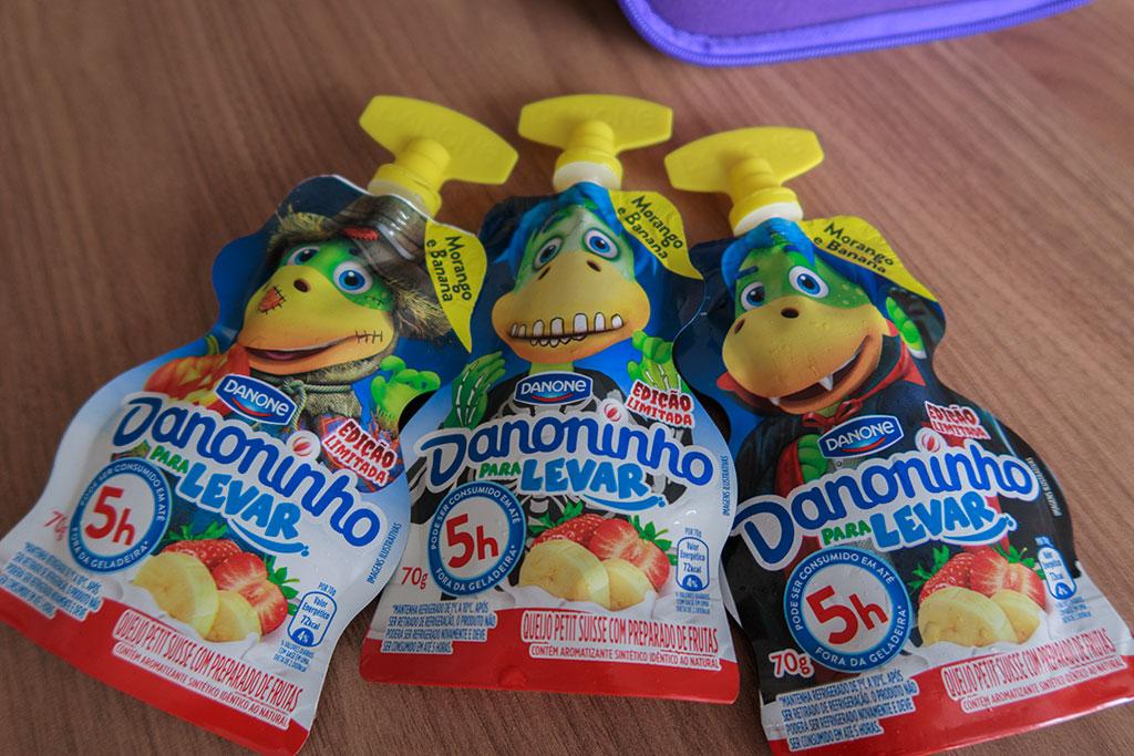 Embalagens Danoninho Para Levar Morango com Banana Danone