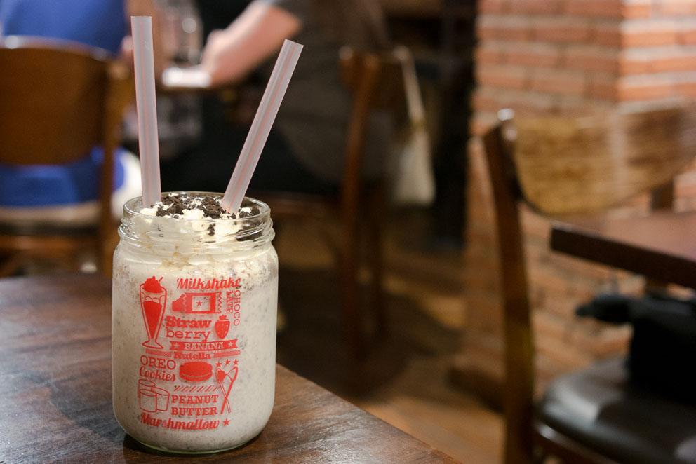 Milk Shake Oreo Cookies & Cream