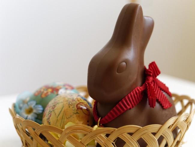 Cesta de Páscoa com Coelhão de Chocolate