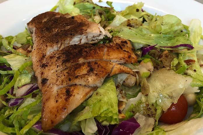 Pratos e Saladas Fifties