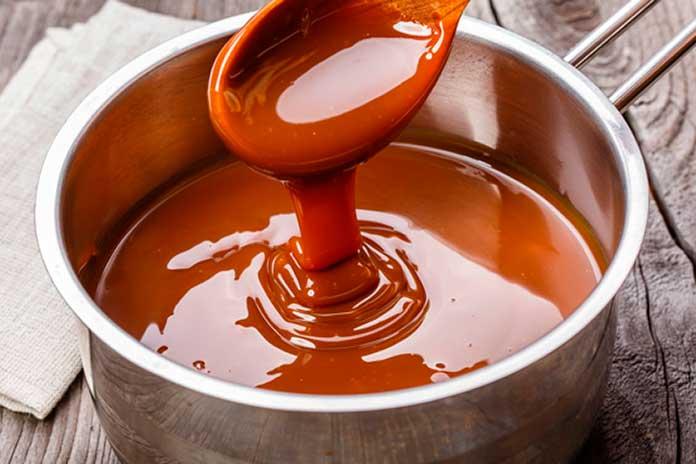 Maçã do Amor com Caramelo