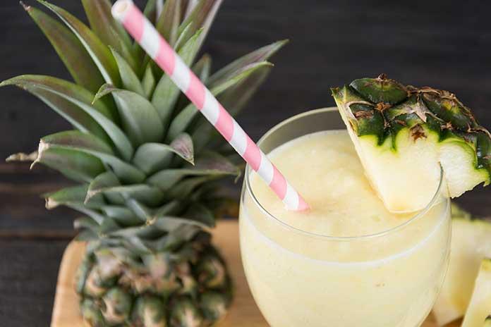 Sucos com Abacaxi