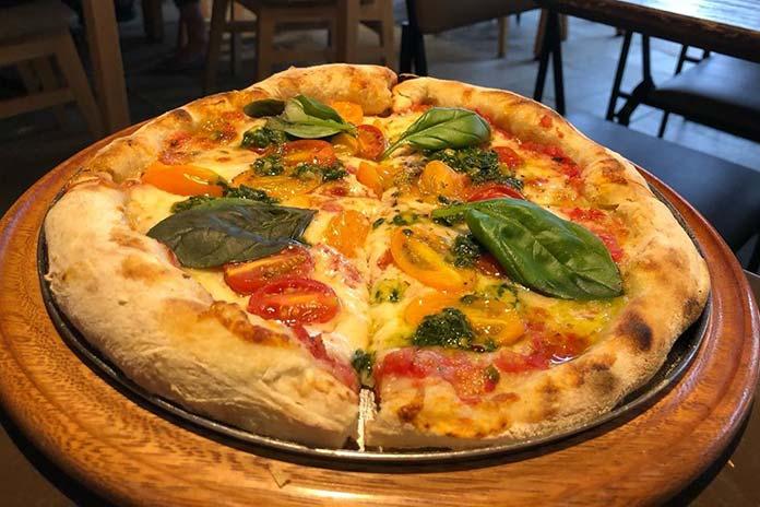 Pizzas e Calzones do Ráscal